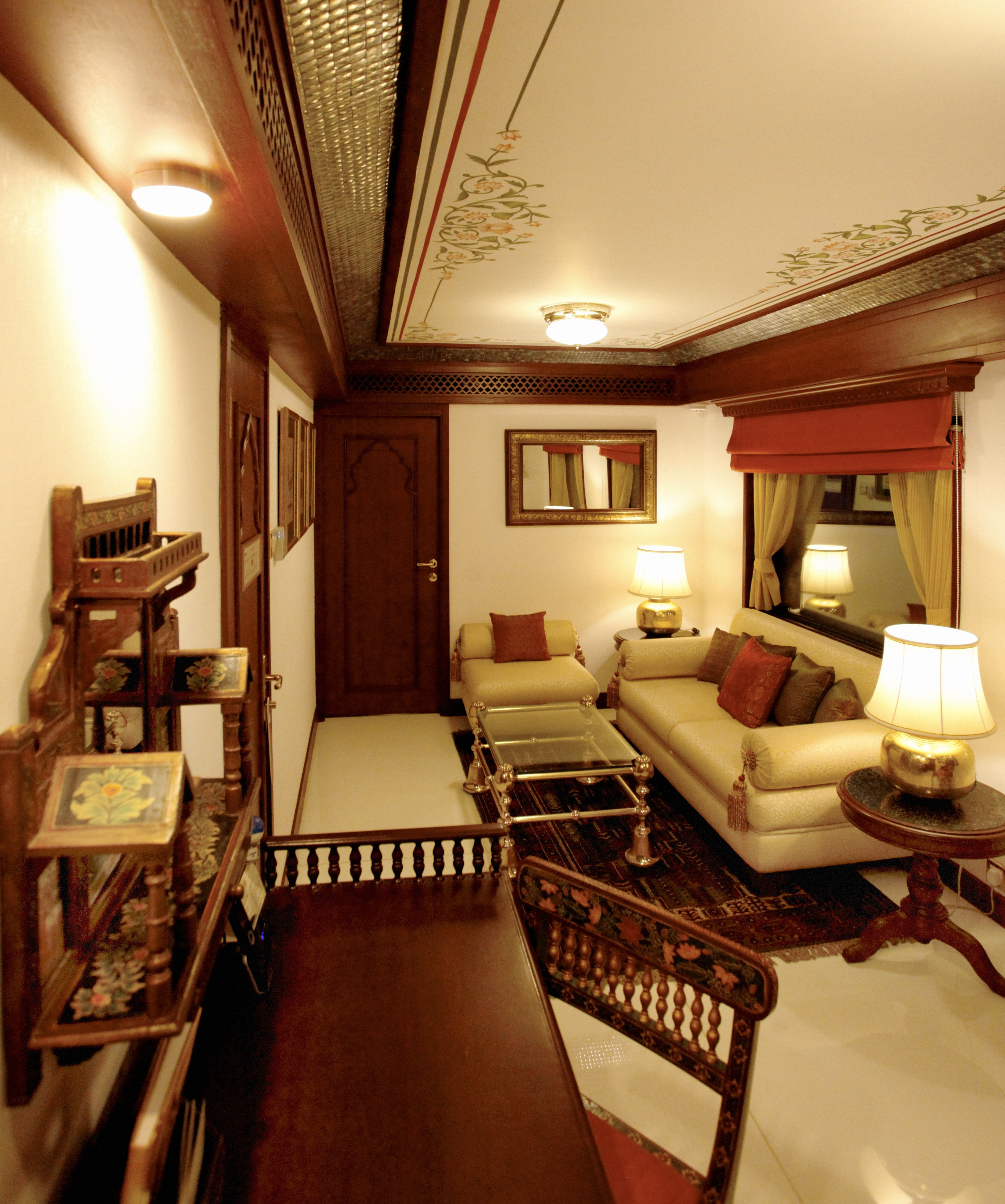 Royal accommodations on the maharajas express palace tours for Sitting room suites